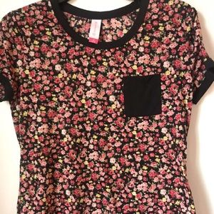 Floral and black tee with black pocket